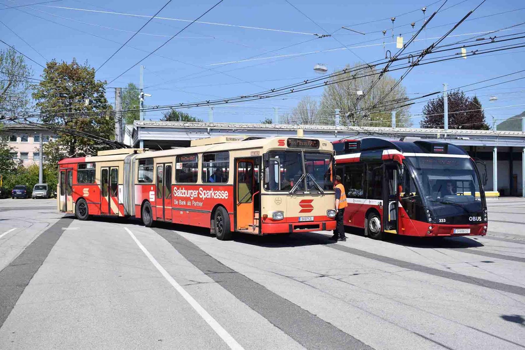 Obus 178 und ein Metrostyle-Obus am Betriebshof Alpenstraße. Foto: Jan Roider