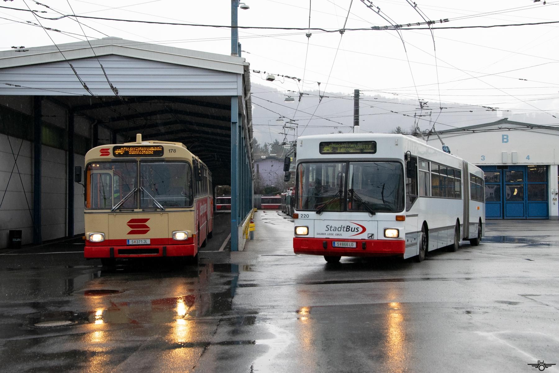 Die beiden Obusse 178 und 220 am Betriebshof. Foto: Jan Roider