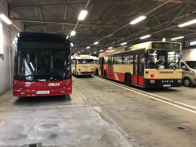 Obus 123 nach der Ankunft in der Zentralgarage gemeinsam mit den Obussen 109 und 402. Foto: Thomas Feichtinger
