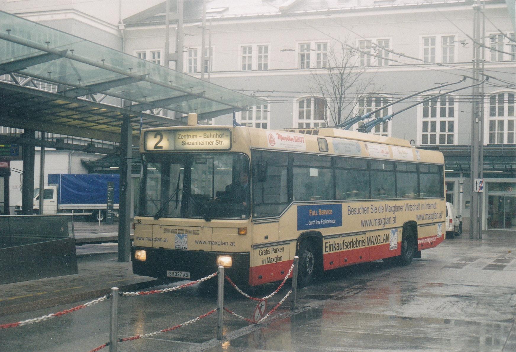 Obus 113 auf der ehemaligen Ringlinie 2 am Hauptbahnhof. Foto: Wolfgang Proisl